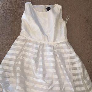 Dresses & Skirts - White stripped summer dress